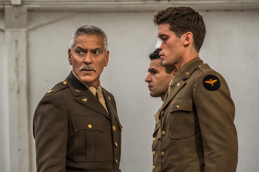 George Clooney y Hugh Laurie protagonizan las primeras imágenes de Catch 22