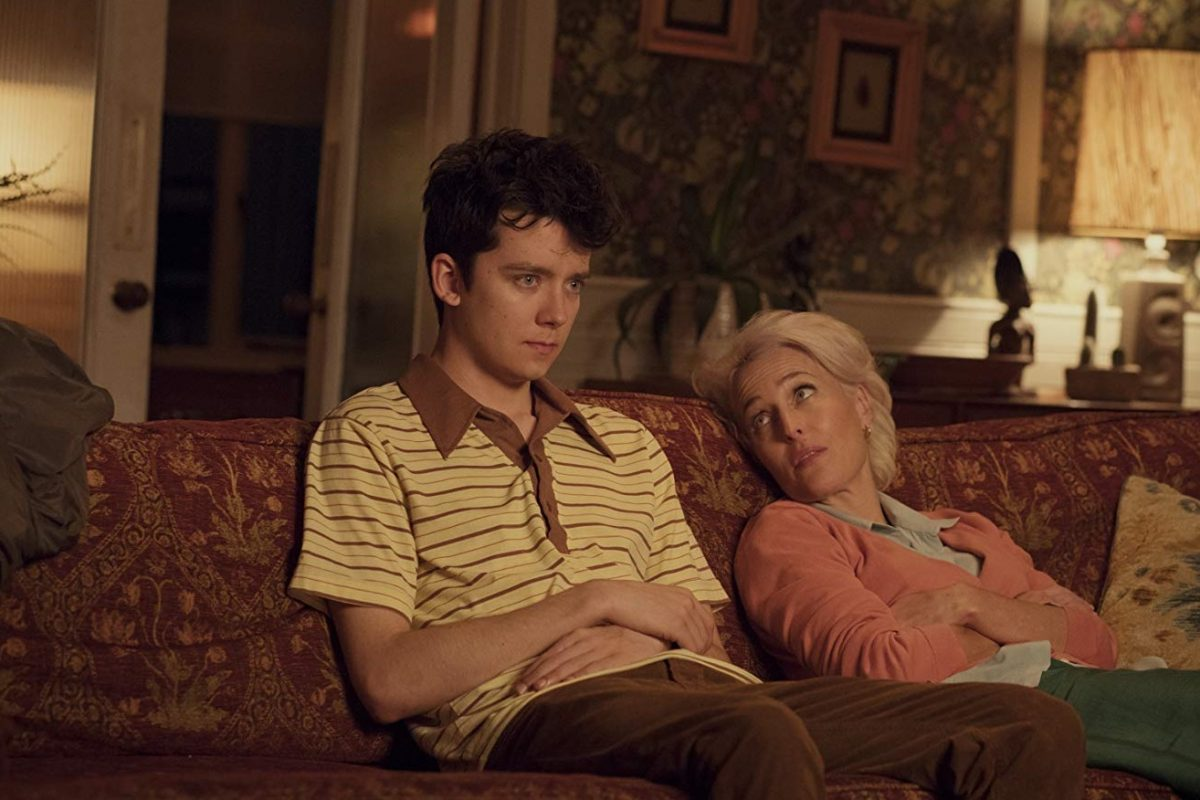 Gillian Anderson y Asa Butterfield protagonizan el trailer de Sex Education