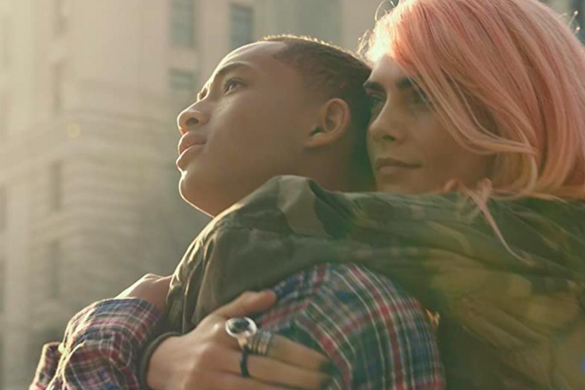 Jaden Smith y Cara Delevingne protagonizan el trailer de Life in a Year
