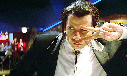 John Travolta baila como en Pulp Fiction vestido de Papá Noel