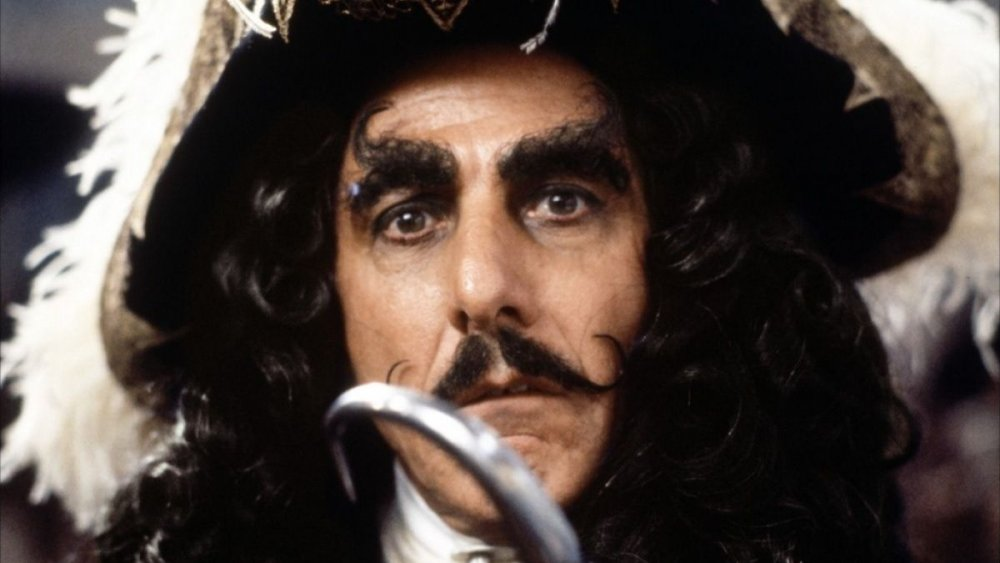 Jude Law es el Capitán Garfio en las primeras imágenes del set de Peter Pan and Wendy