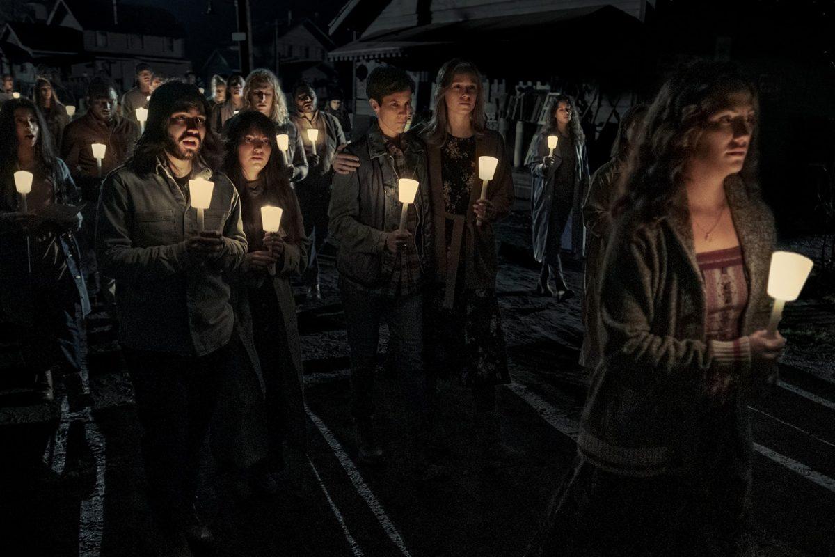 Misa de Medianoche: Trailer completo de lo nuevo de Mike Flanagan